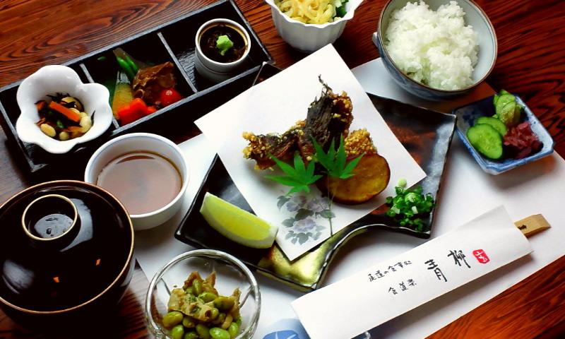 オコゼの唐揚げ定食(2,100円税込)
